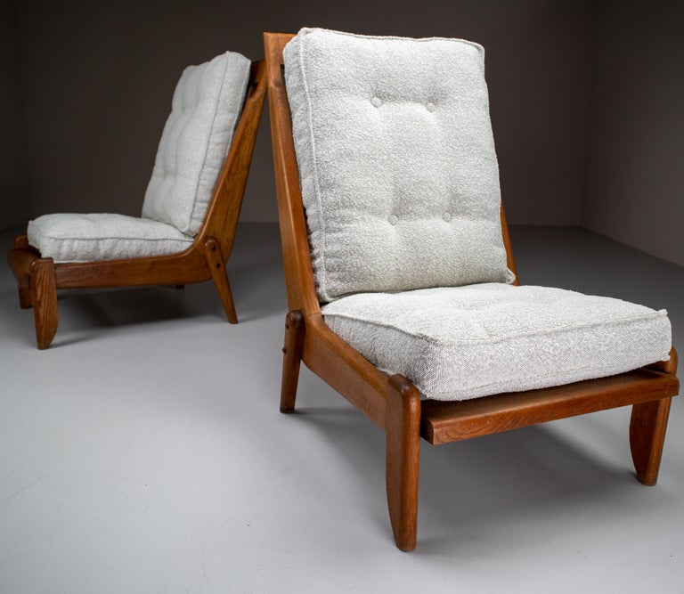 Guillerme et Chambron Lounge Chairs in Blond Oak and Bouclé Fabric, France, 1950 For Sale 3