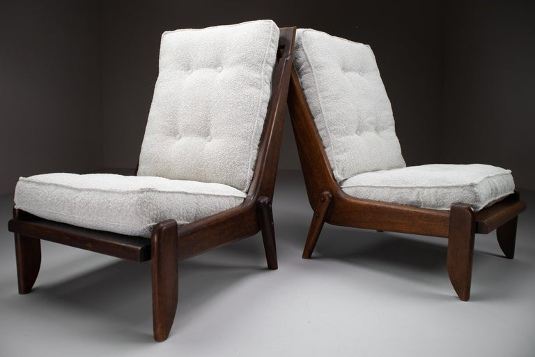 Mid-Century Modern Guillerme et Chambron Pair Lounge Chairs in Oak and bouclé fabric, France, 1950s For Sale