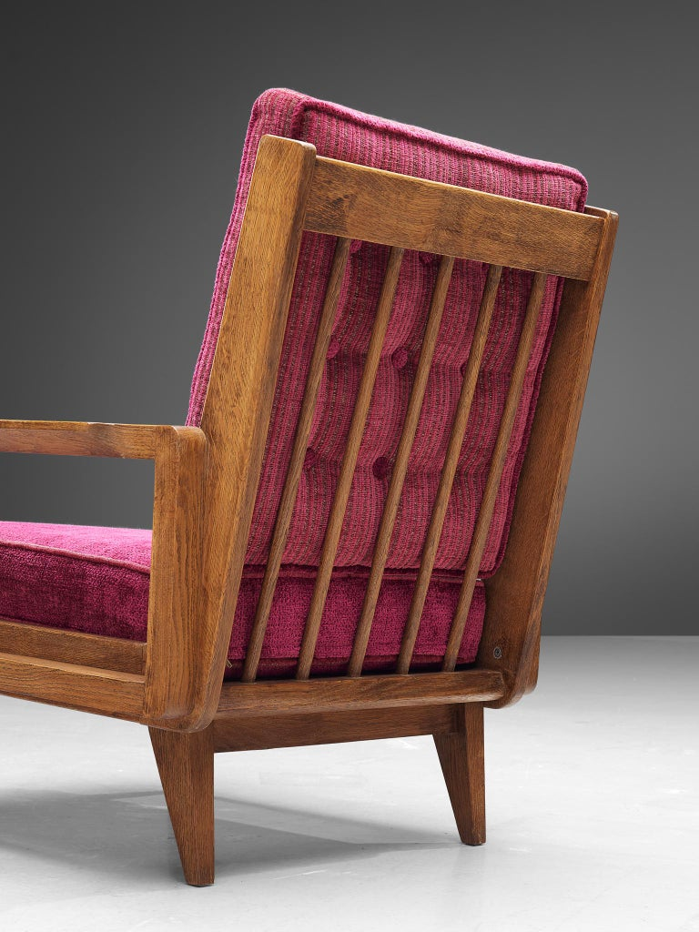 Mid-20th Century Guillerme et Chambron Pair of Lounge Chairs in Oak and Pink Upholstery For Sale