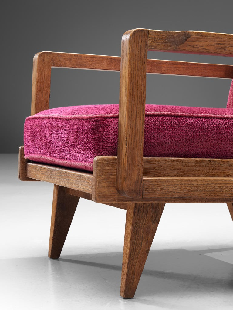 Guillerme et Chambron Pair of Lounge Chairs in Oak and Pink Upholstery For Sale 1