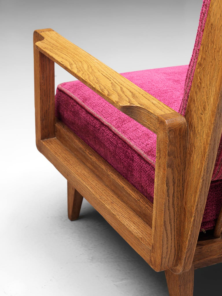 Guillerme et Chambron Pair of Lounge Chairs in Oak and Pink Upholstery For Sale 2