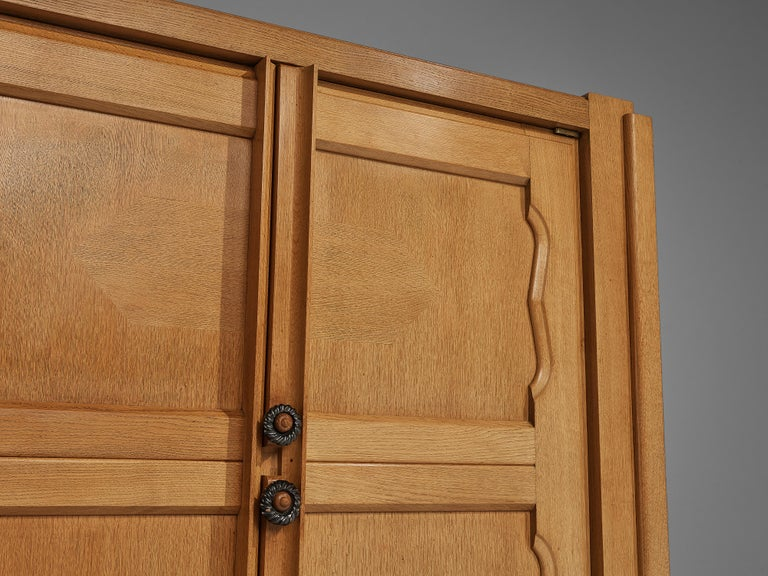 Guillerme et Chambron 'Raphael' Cabinet in Oak In Good Condition For Sale In Waalwijk, NL