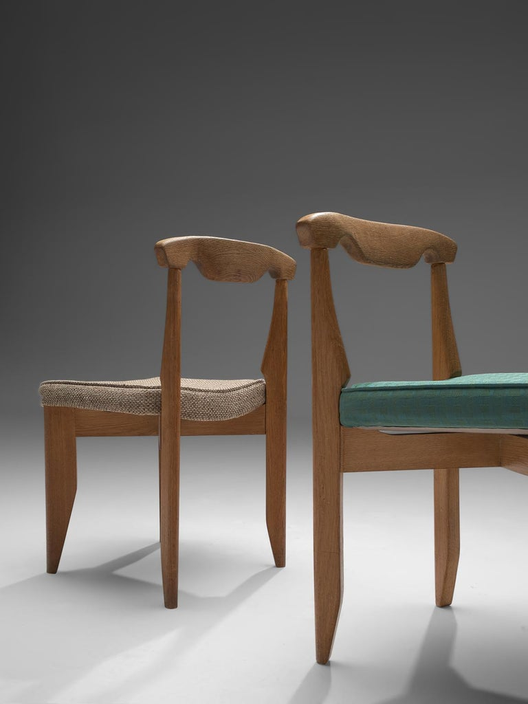 Mid-20th Century Guillerme et Chambron Set of Eight Dining Chairs in Oak For Sale