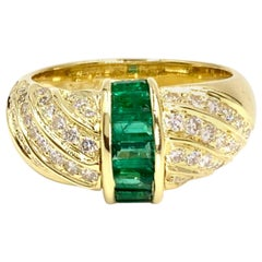 Gumuchian 18 Karat Emerald and Diamond Modern Ring