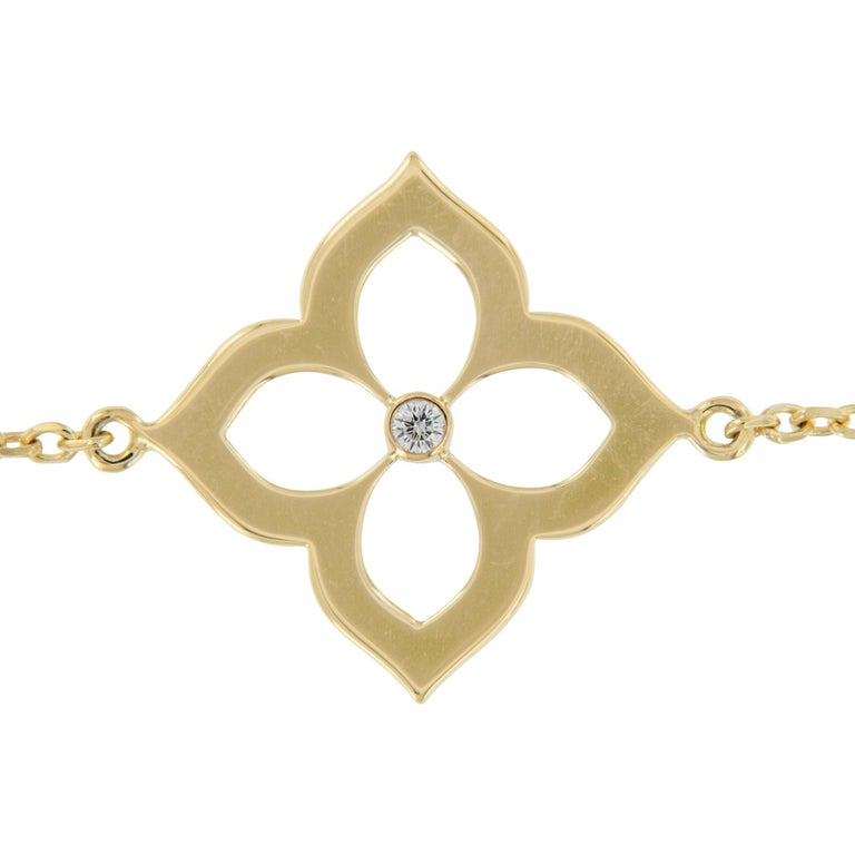 Round Cut Gumuchian 18 Karat Gold and Diamond Lotus Bracelet For Sale