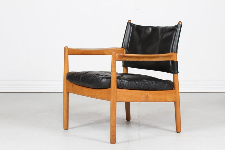 Swedish Gunnar Myrstrand Easy Chair of Oak and Black Leather by Källemo, Sweden