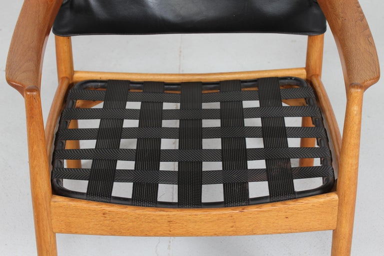 Gunnar Myrstrand Easy Chair of Oak and Black Leather by Källemo, Sweden 1