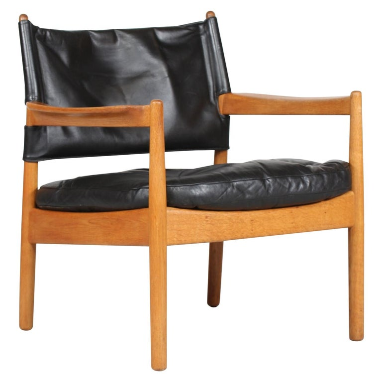Gunnar Myrstrand Easy Chair of Oak and Black Leather by Källemo, Sweden