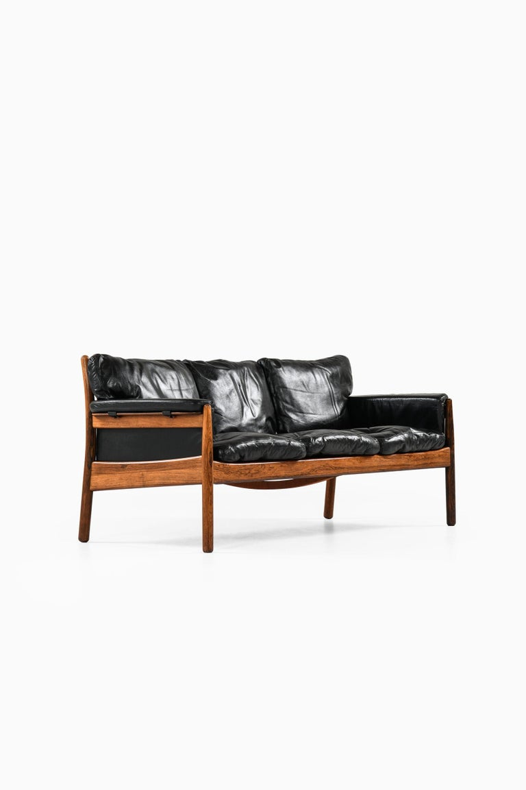 Gunnar Myrstrand Sofa Produced by Källemo in Sweden In Good Condition For Sale In Malmo, SE