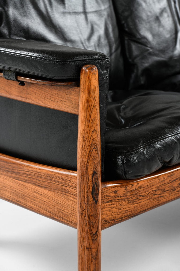 Mid-20th Century Gunnar Myrstrand Sofa Produced by Källemo in Sweden For Sale