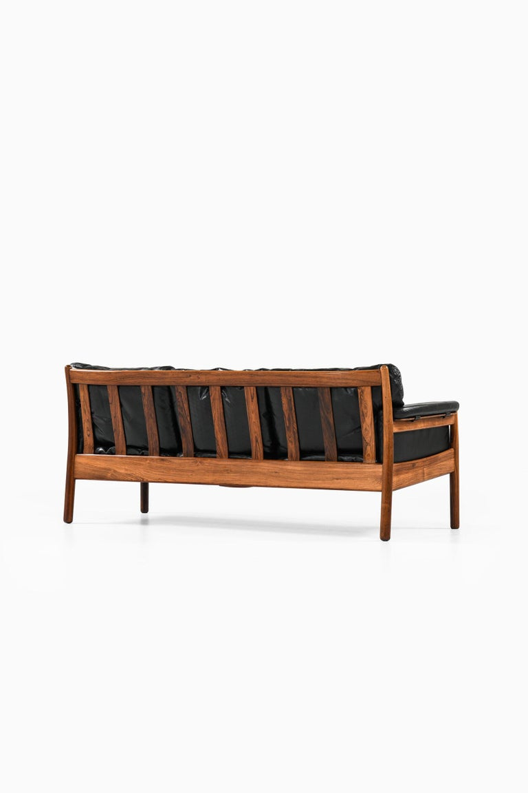 Gunnar Myrstrand Sofa Produced by Källemo in Sweden For Sale 2
