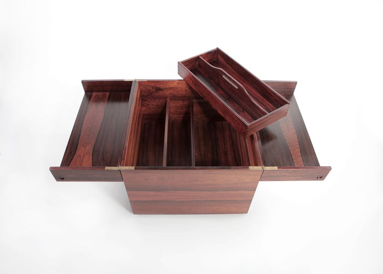 Gunnar Mystrand Rosewood Barcube on Wheels from Källemo, Sweden, 1960s For Sale 7