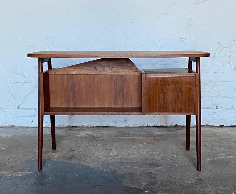 Gunnar Nelson Tibergaard, Lady Desk 1960s in Teak In Good Condition For Sale In Helsingborg, SE