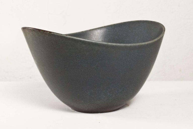 Stoneware Gunnar Nylund Rörstrand Large AXK Bowl Jade Green Hares Fur Glaze Sweden 1950 For Sale