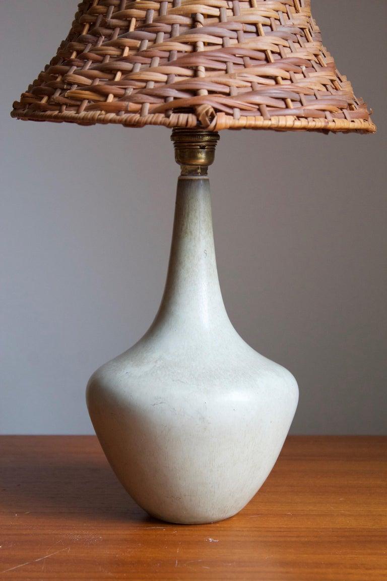 Mid-Century Modern Gunnar Nylund, Table Lamp, Glazed Stoneware, Rattan Rörstand, Sweden, 1950s