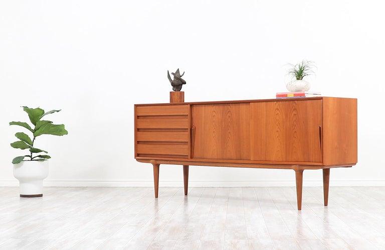 Wood Gunni Omann Model-18 Teak Credenza for Omann Jun For Sale