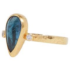 Gurhan 22-24 Karat Hammered Yellow Gold Green Tourmaline and Diamond Ring