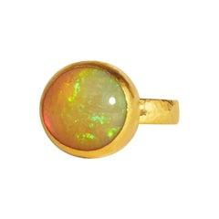 GURHAN 22-24 Karat Hammered Yellow Gold Cabochon Ethiopian Opal Cocktail Ring