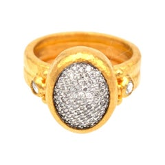 Gurhan Amulet Diamond Pavé Ring in 24 Karat Yellow Gold