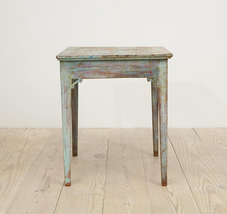 Gustavian 18th Century Table with Faux Marble-Top Center Drawer, Origin Sweden For Sale 3