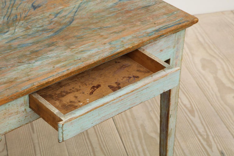Gustavian 18th Century Table with Faux Marble-Top Center Drawer, Origin Sweden In Excellent Condition For Sale In New York, NY