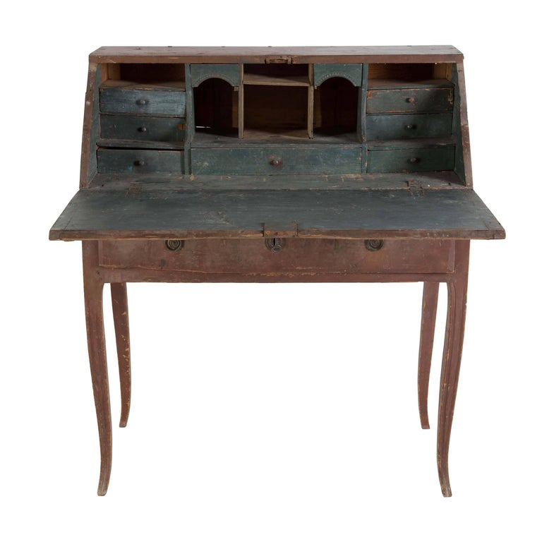 Gustavian Bureau In Good Condition In Gloucestershire, GB