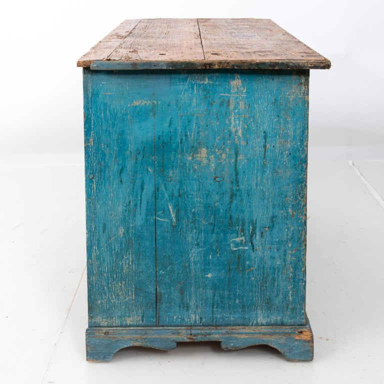 Gustavian Chalk Blue Painted Two-Door Cabinet For Sale 6