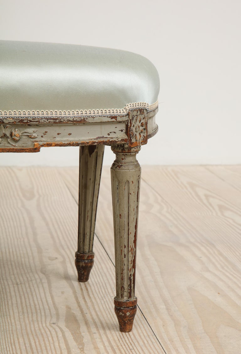 Gustavian Oval Stool, Origin, Sweden, circa 1800 In Good Condition For Sale In New York, NY