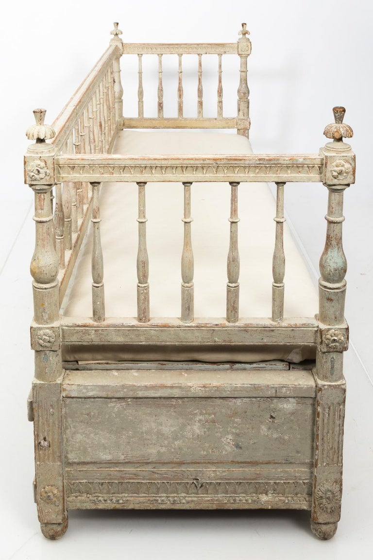 Gustavian Painted Sofa, circa 1790s For Sale 1