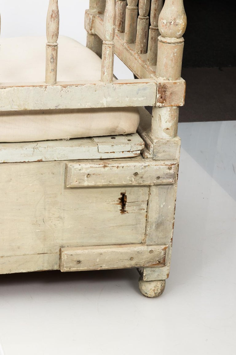 Gustavian Painted Sofa, circa 1790s For Sale 3