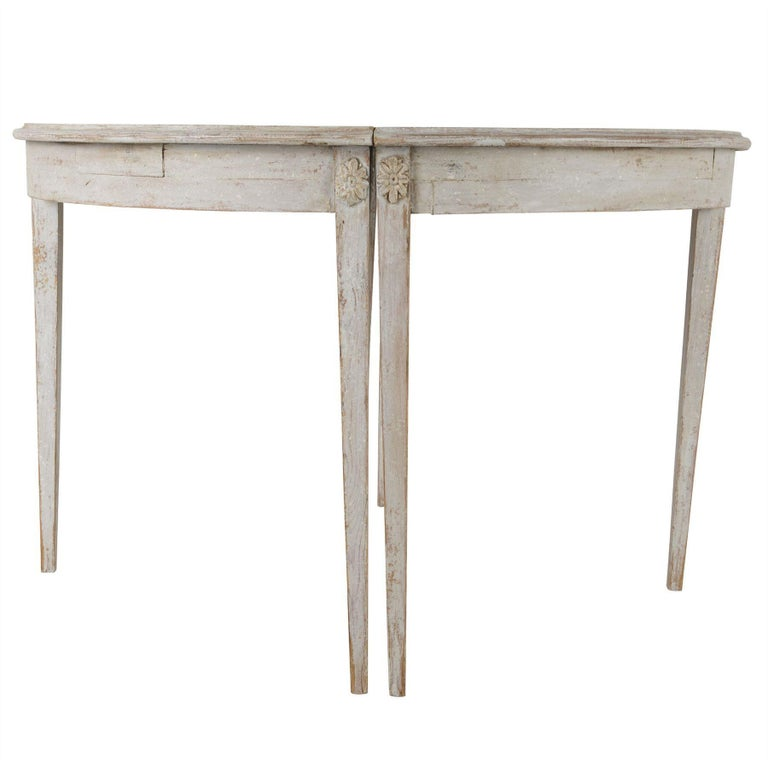 Gustavian Period Extending Dining Table In Good Condition For Sale In Gloucestershire, GB