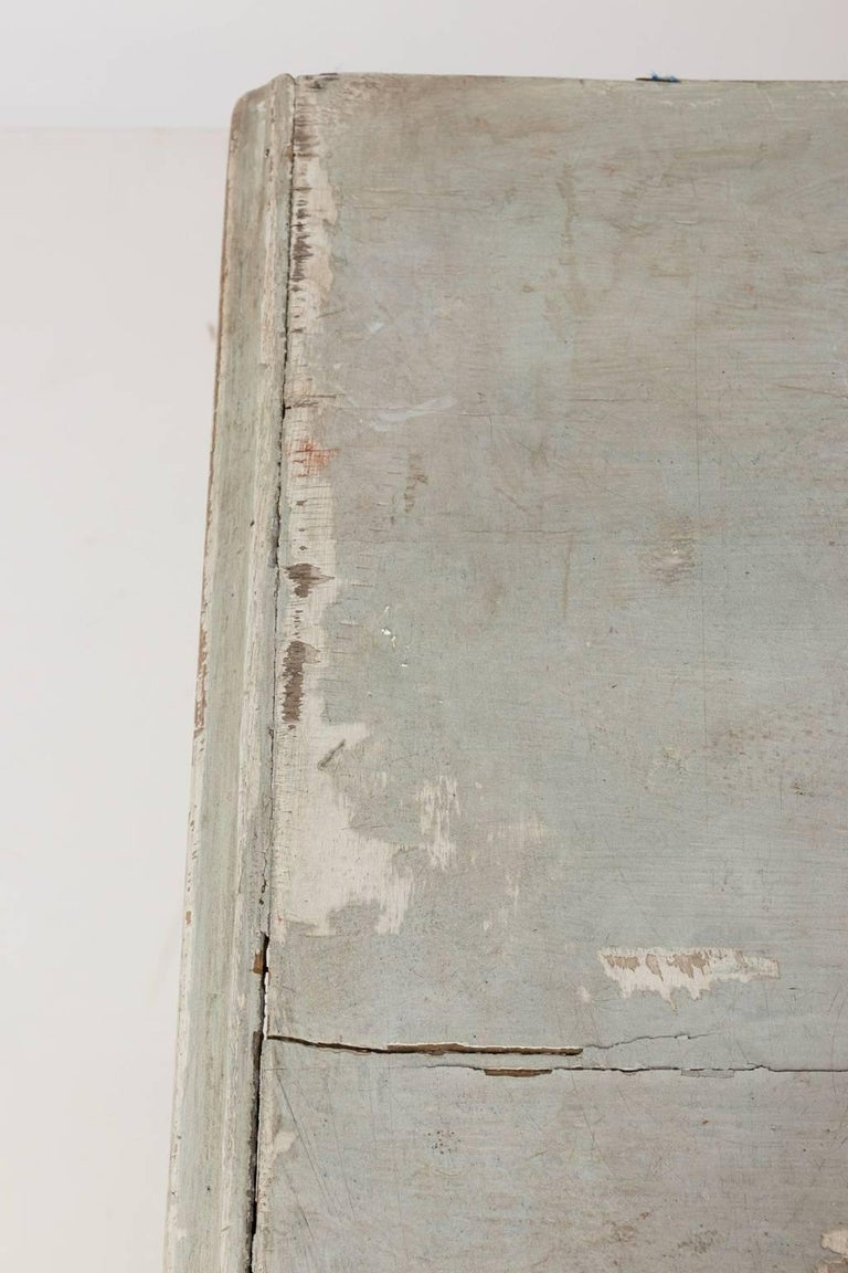 Gustavian Serpentine Chest of Drawers For Sale 10