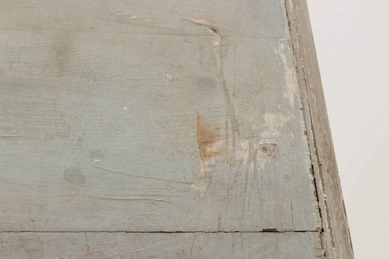 Gustavian Serpentine Chest of Drawers For Sale 12