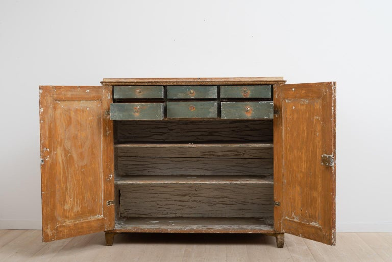 Gustavian Sideboard with Rustic Patina Manufactured, 1790 In Good Condition For Sale In Kramfors, SE