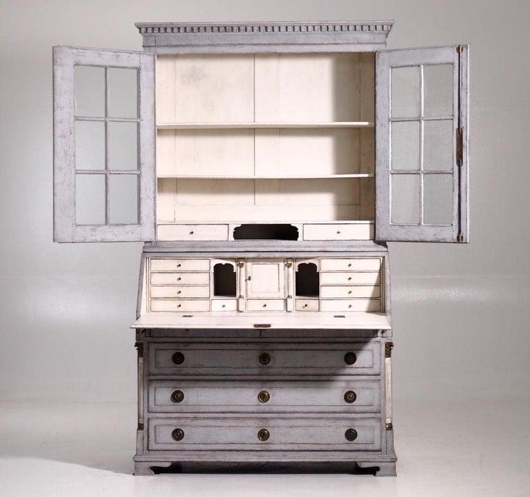 Gustavian two-parts bureau, circa 1780 For Sale 5