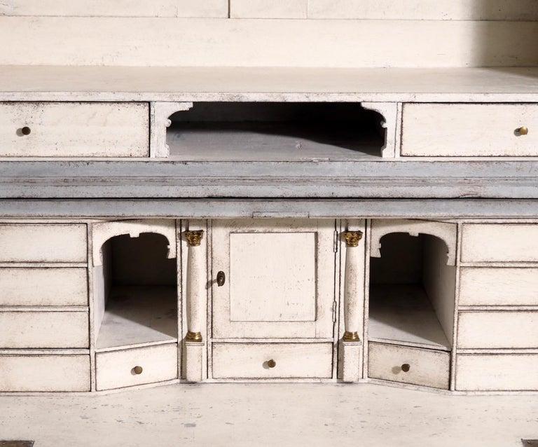 Gustavian two-parts bureau, circa 1780 For Sale 6