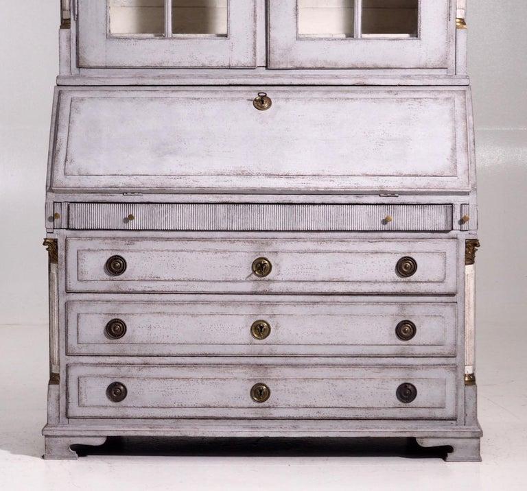 Gustavian two-parts bureau with original bronze hardware and locks, circa 1780