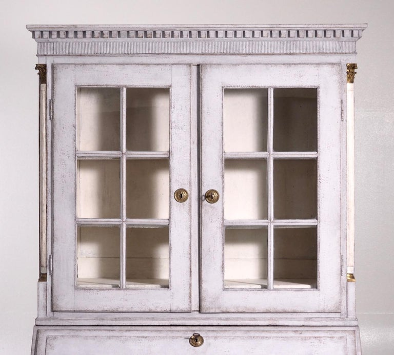 Gustavian two-parts bureau, circa 1780 In Good Condition For Sale In Aalsgaarde, DK