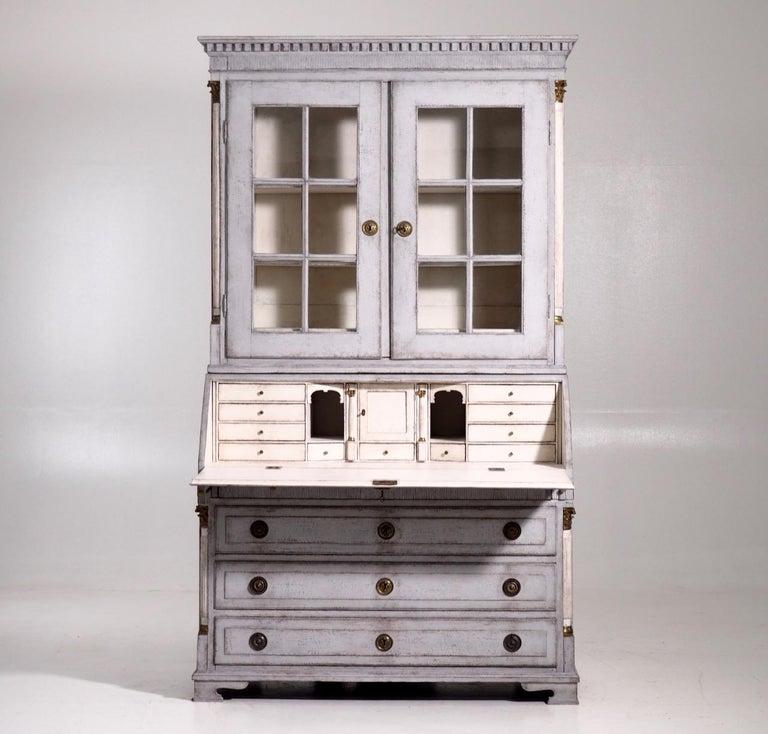 Gustavian two-parts bureau, circa 1780 For Sale 1