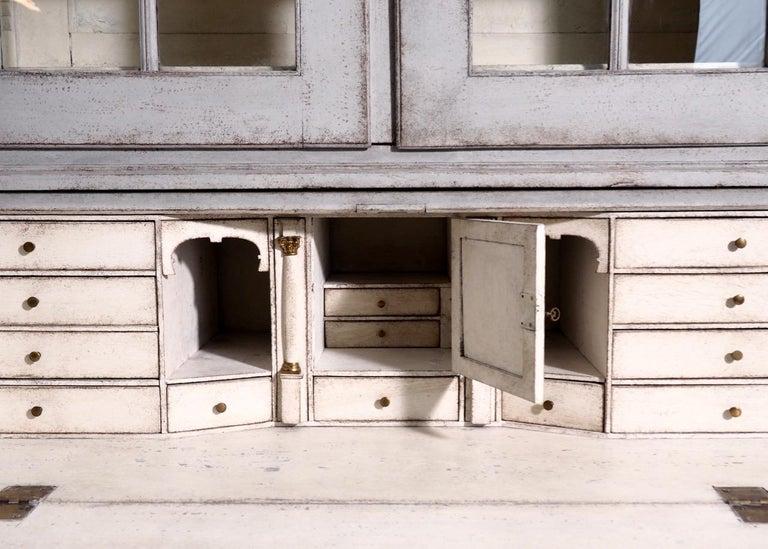 Gustavian two-parts bureau, circa 1780 For Sale 4