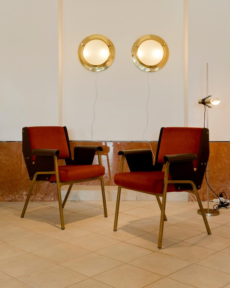 Italian Gustavo Pulitzer Pair of Velvet and Leather Albenga Armchairs for Arflex, 1955 For Sale