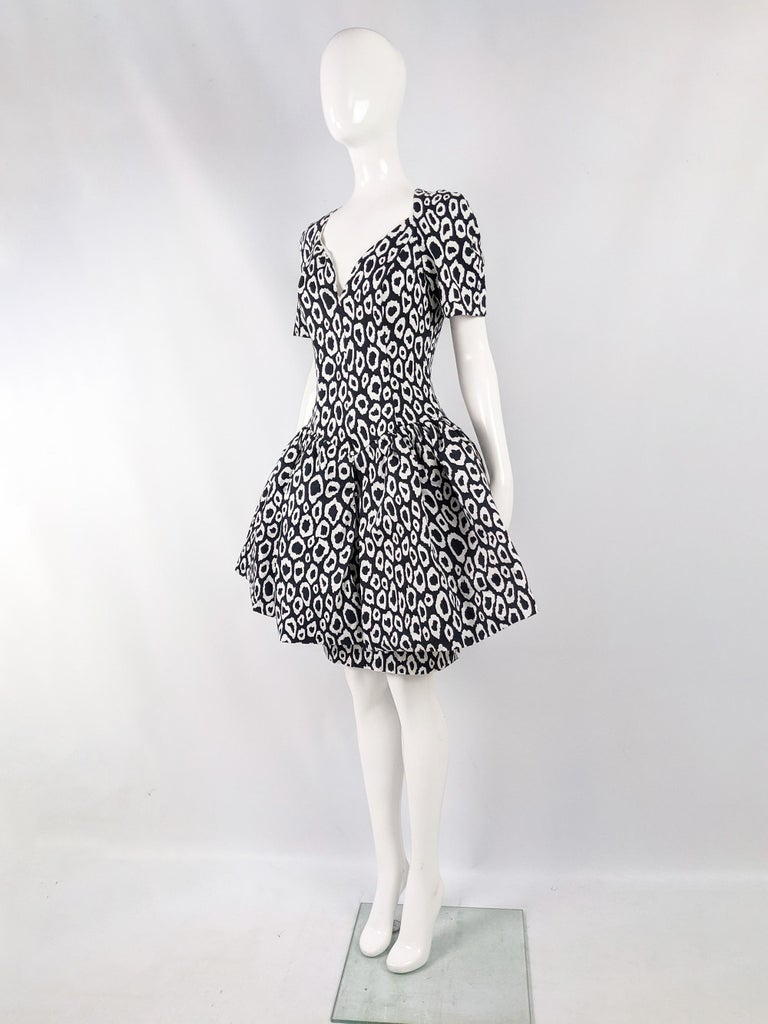 Guy Laroche 1980s Vintage Full Skirt Cotton Evening Dress In Excellent Condition For Sale In Doncaster, South Yorkshire