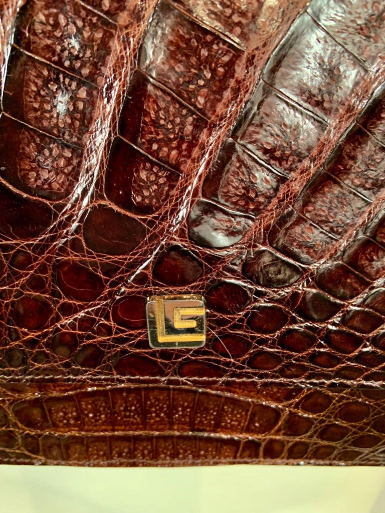 Guy Laroche Brown Alligator Shoulder or Cross Body  Bag Never Used In Excellent Condition For Sale In New Hope, PA