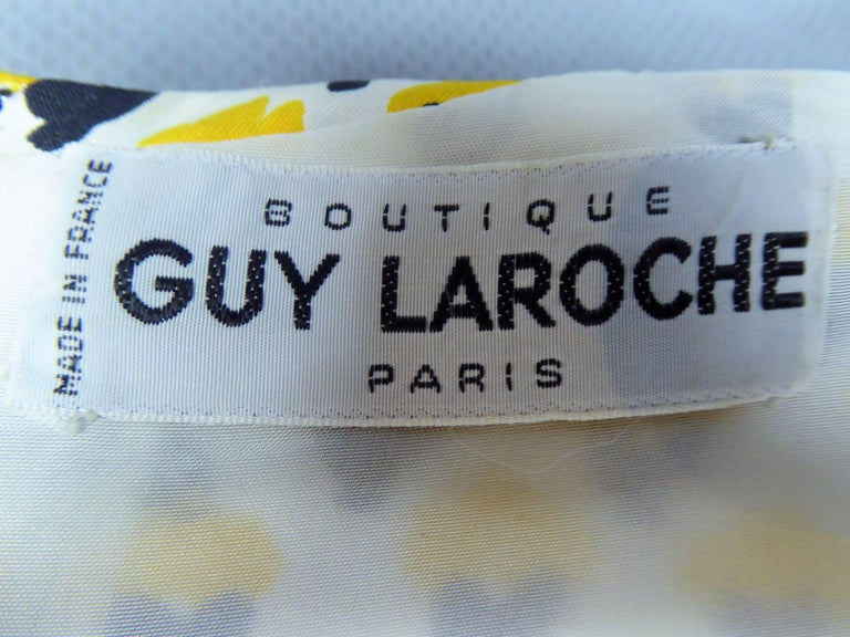 Guy Laroche Long printed silk Dress, Circa 1970 In Excellent Condition For Sale In Toulon, FR
