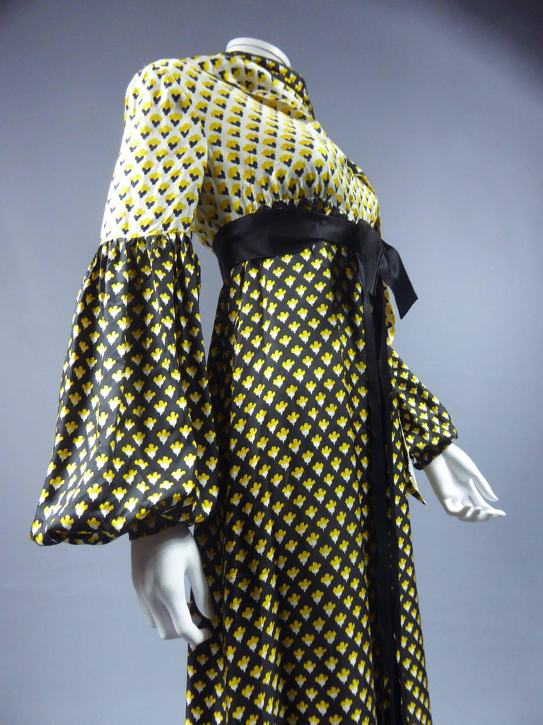Guy Laroche Long printed silk Dress, Circa 1970 For Sale 5