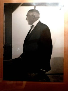 WARREN G. HARDING SIGNED, INSCRIBED AND DATED PHOTOGRAPH