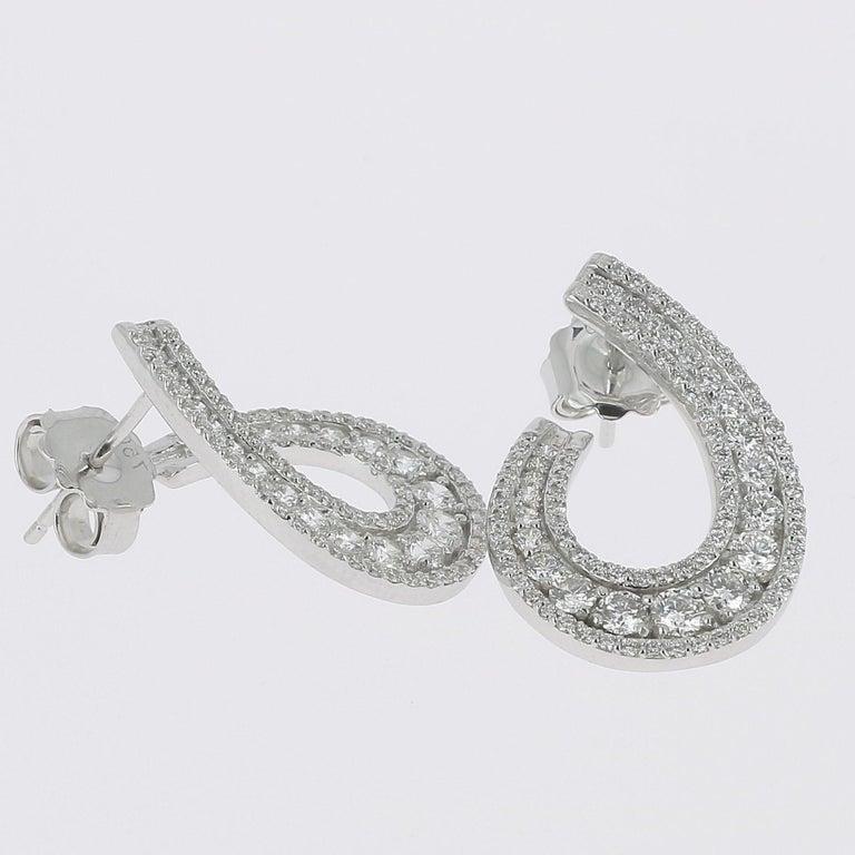 Oval Cut  1.97 carats GVS Round Diamonds Swirl Earring 18K White Gold Stud Earrings For Sale