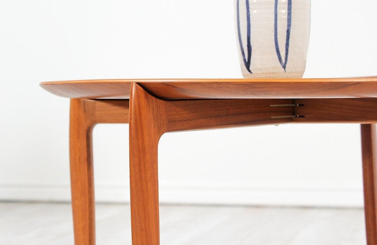 H. Engholm & Svend Åge Willumsen Folding Tray Table for Fritz Hansen For Sale 1