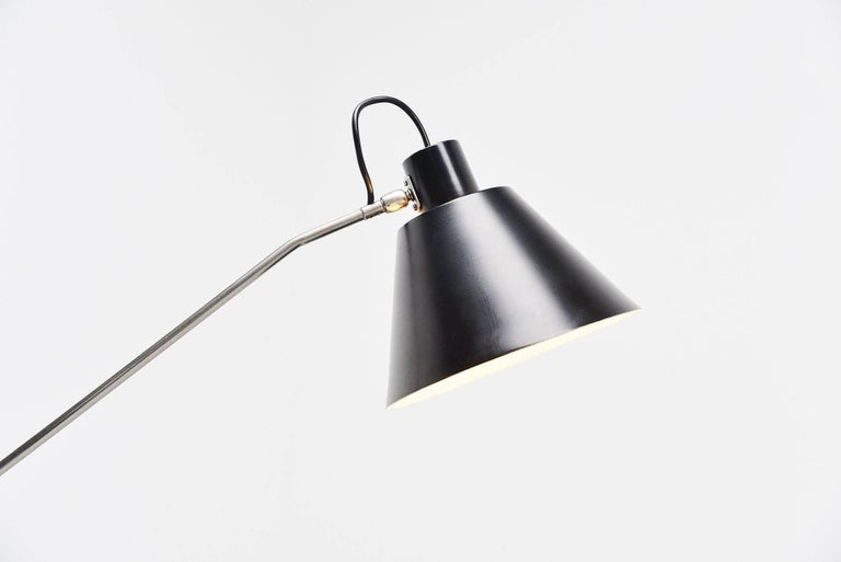 This is for the most beautiful floor lamp designed in the history of Dutch design, and my personal favorite, ever! This lamp is called the 'Magneto' and the name says it all, this super lamp designed by H.Fillekes for Artiforte and produced from