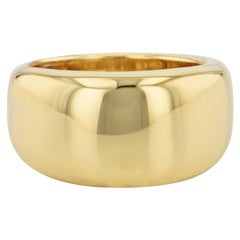 H & H 18 Karat Yellow Gold Fashion Band Ring
